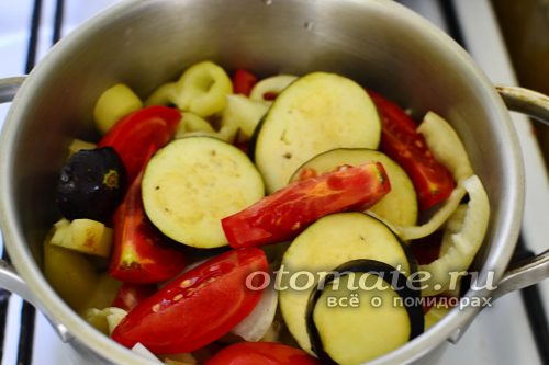 смешивание овощей