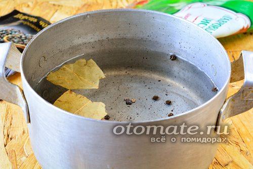 лавровый лист и перец для маринада