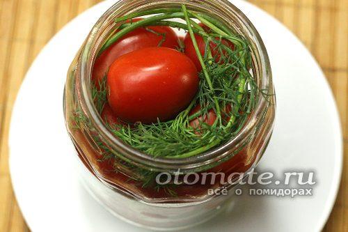 налаживаем помидоры в банку