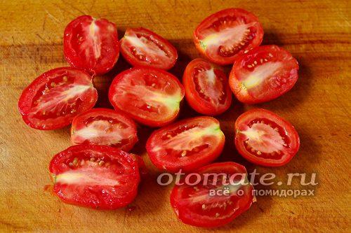томаты нарезать ломтиками