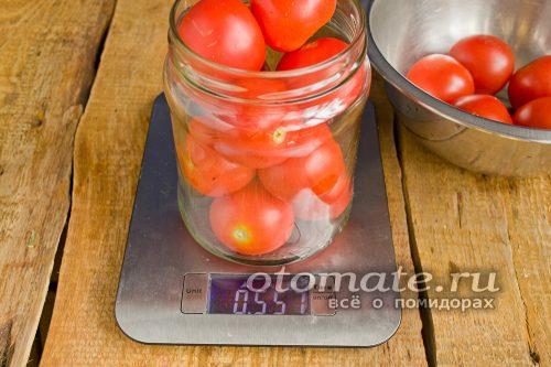 укладка помидор в банку