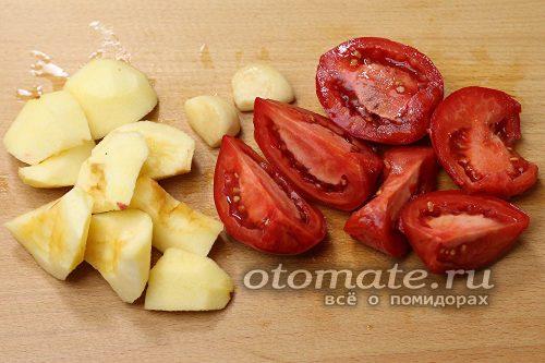 яблоки и помидоры нарезать дольками
