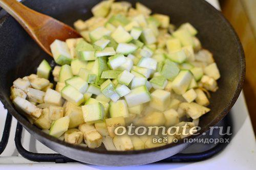 добавить кабачки к овощам