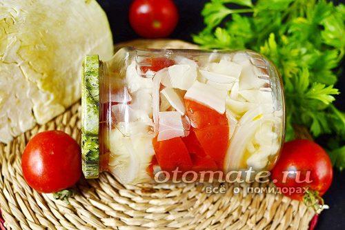 помидоры с капустой и луком готовы