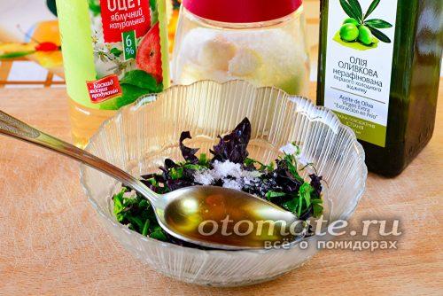 добавить в соус оливковое масло