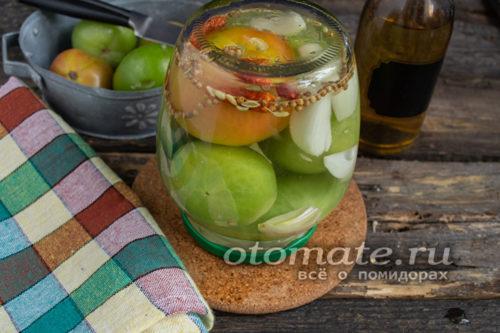 засолка зеленых помидор