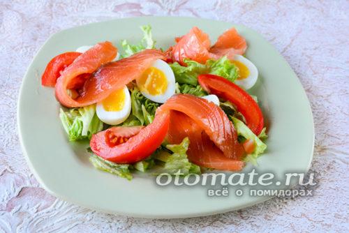 добавить рыбу и помидор