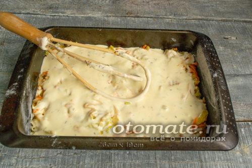 выливаем оставшееся тесто на капусту