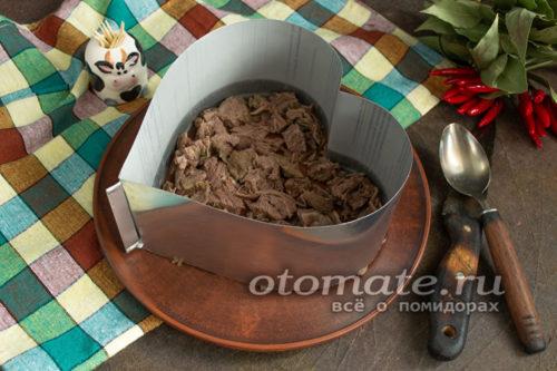 слой отварной говядины