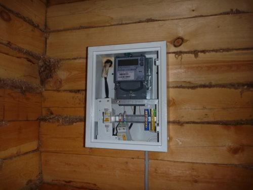 электрический счетчик в частном доме