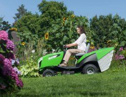 Как выбрать мини-трактор для дачи в 2020 году: модели, технические характеристики, фото и описание