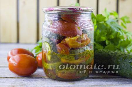 огурцы с помидорами по-корейски