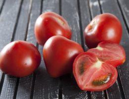 помидоры внутри белые