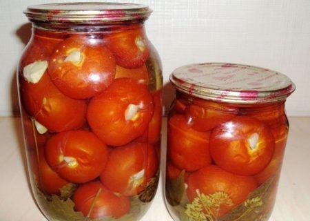 помидоры в банках